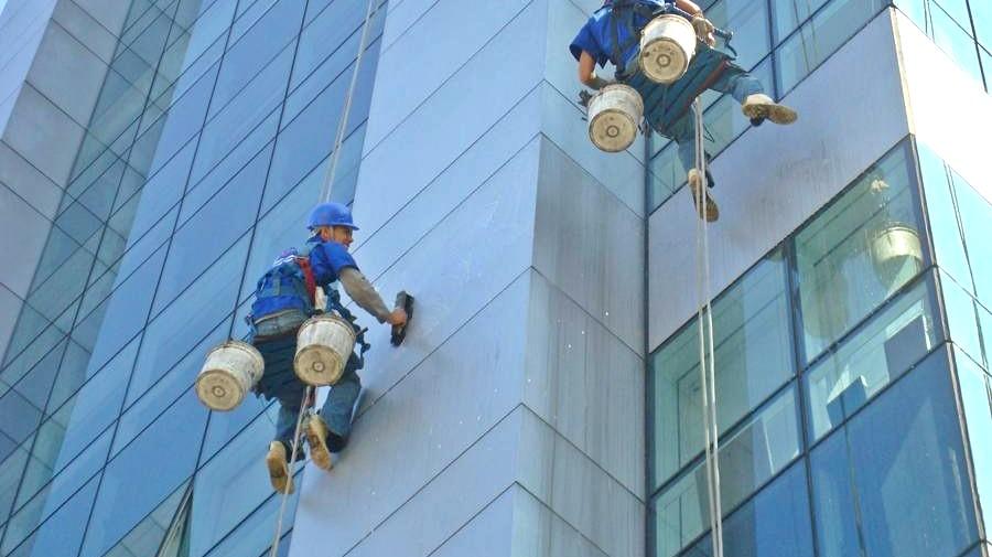 Trabajos verticales Valencia - Empresa profesional en trabajos verticales