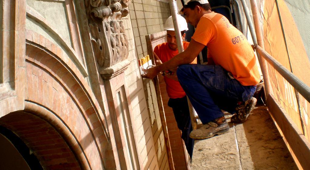 Restauración de fachadas Valencia - Servicios de calidad y precios competitivos